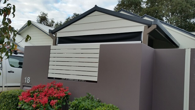 exterior-fence-painting